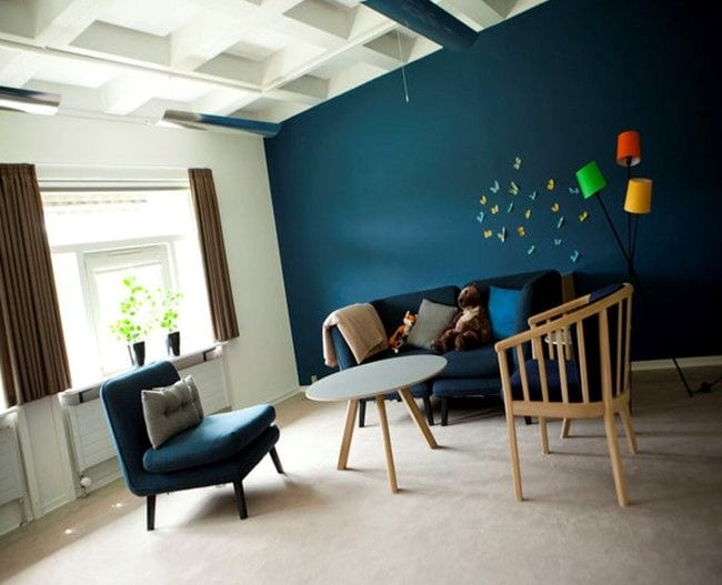 Stue med sofa og stole